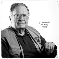 DSC_0447-bw-10x10-veteran (Large)